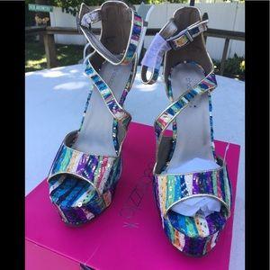 NEW Shoedazzle Multicolor Platform Heels - Size 11